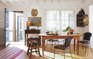 A dining room table in beach bungalow