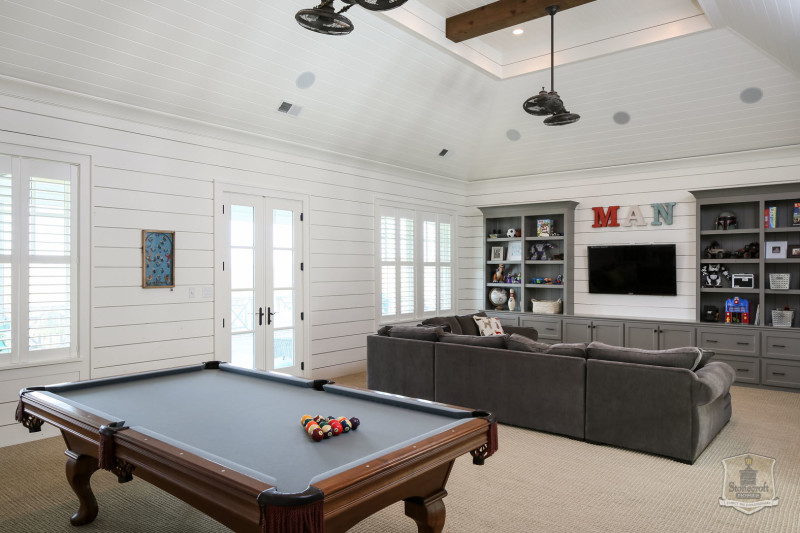 media and hang out room with TV and pool table