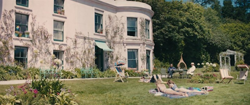 Screenshot of front exterior of the house in the movie About Time