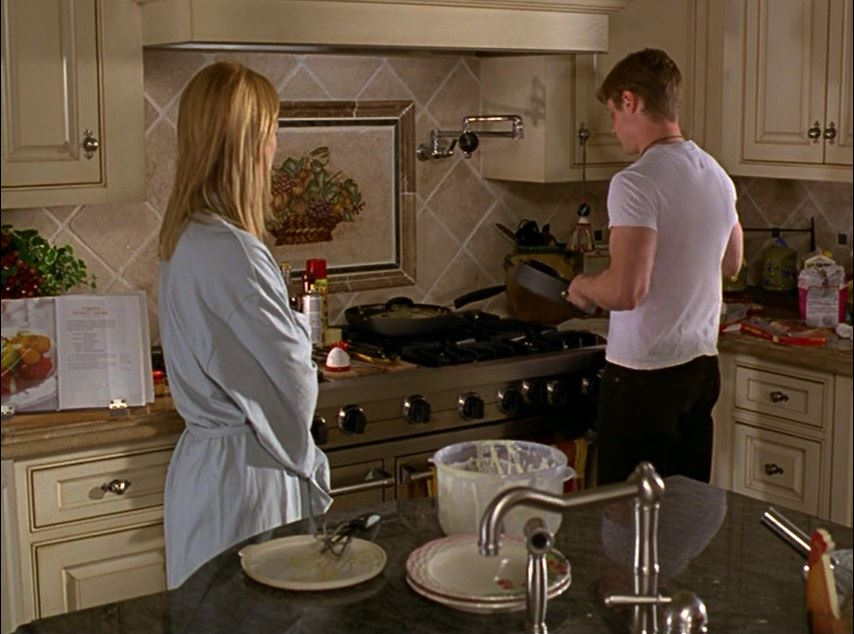 Cohen family house on The O.C. Kitchen