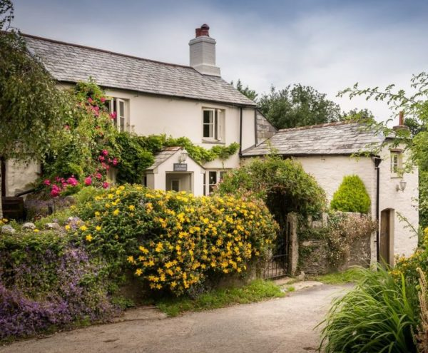 October Cottage: A Magical Mooreland Retreat