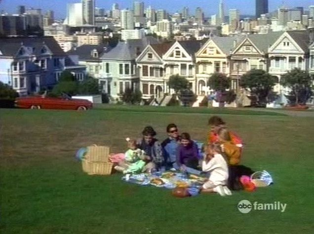 Full House credits in front of Alamo Square Victorians