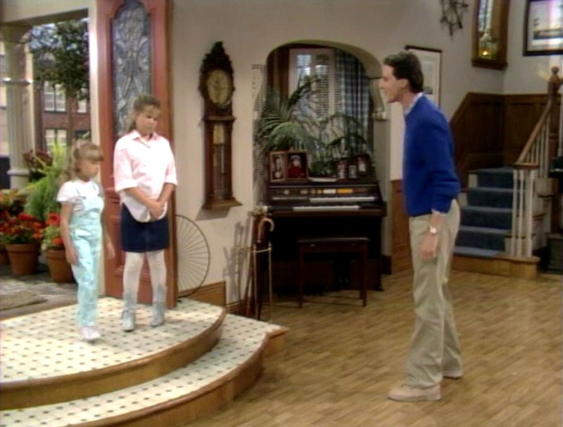 Full House living room entry doors in pilot episode