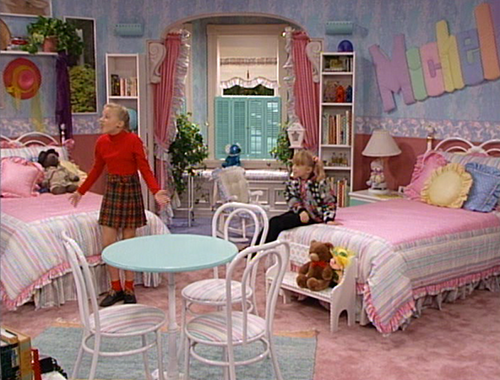 Stephanie and Michelle's Room on Full House