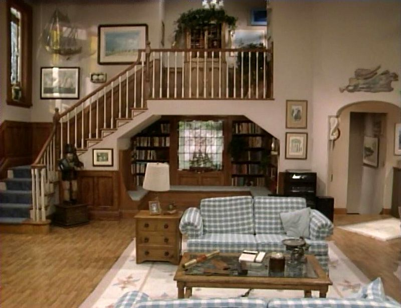living room set in unaired pilot