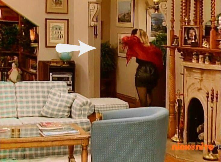 mystery corner on Full House set