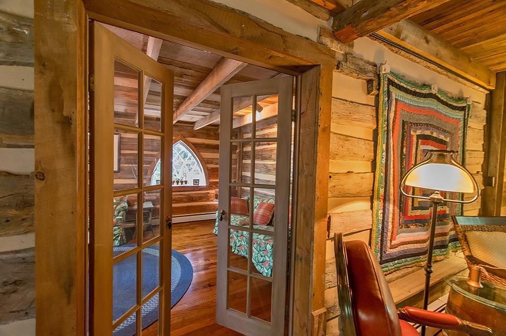 A Civil War-Era Log Home For Sale in West Virginia