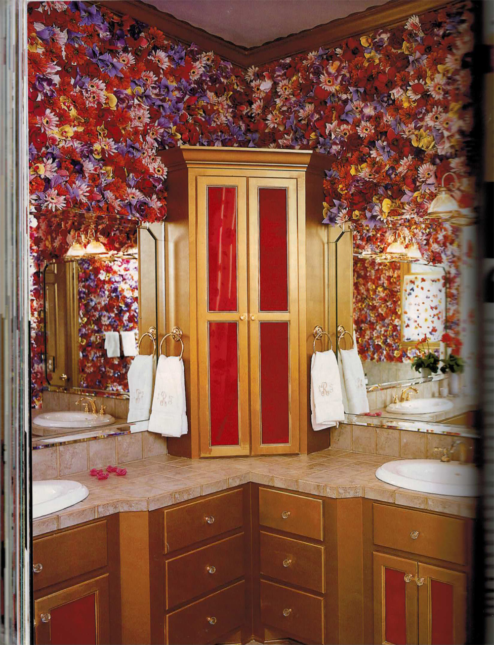 Trading Spaces flower walls in bathroom