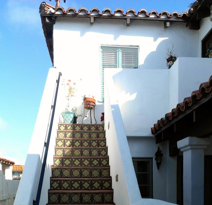 Bob's Spanish-style home in San Clemente CA (1)
