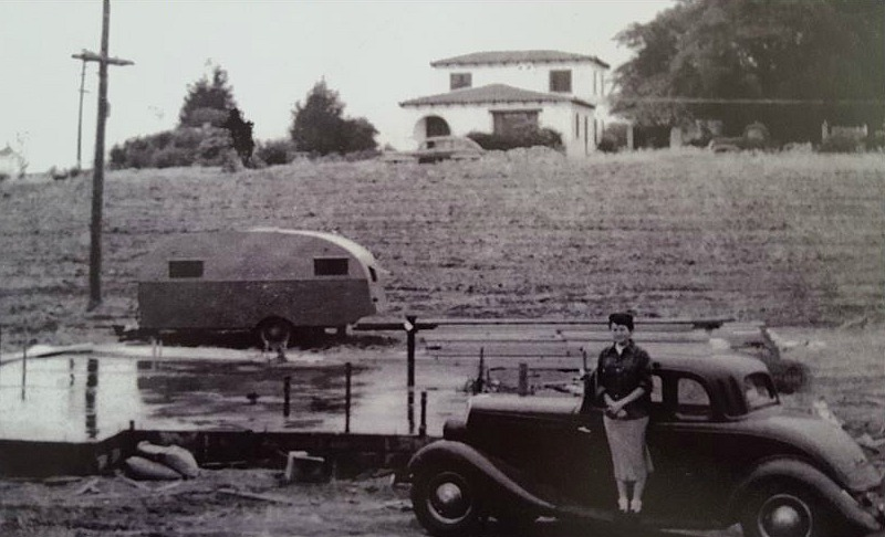 Vintage photo of San Clemente Spanish-style house in the 1940s