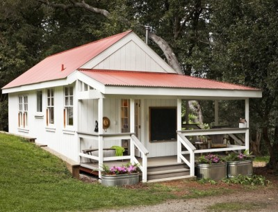 This Cute Little Summer Cottage in California Will Make You Smile