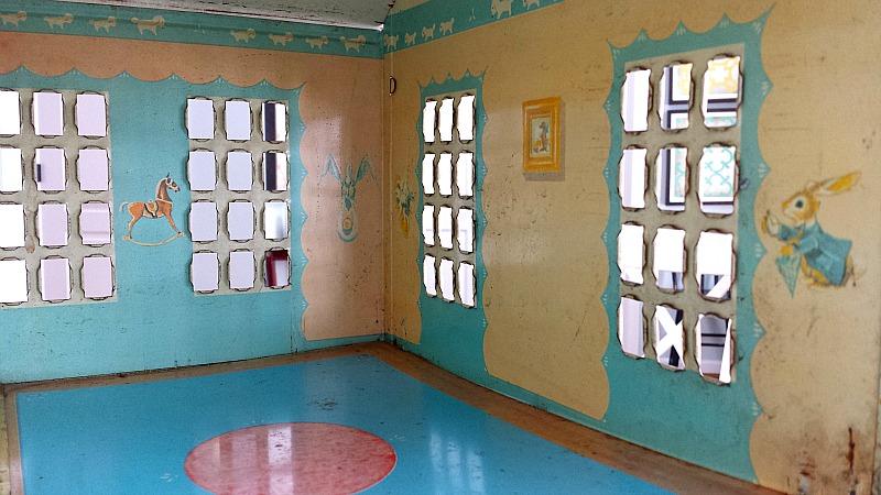 playsteel dollhouse nursery puppy border