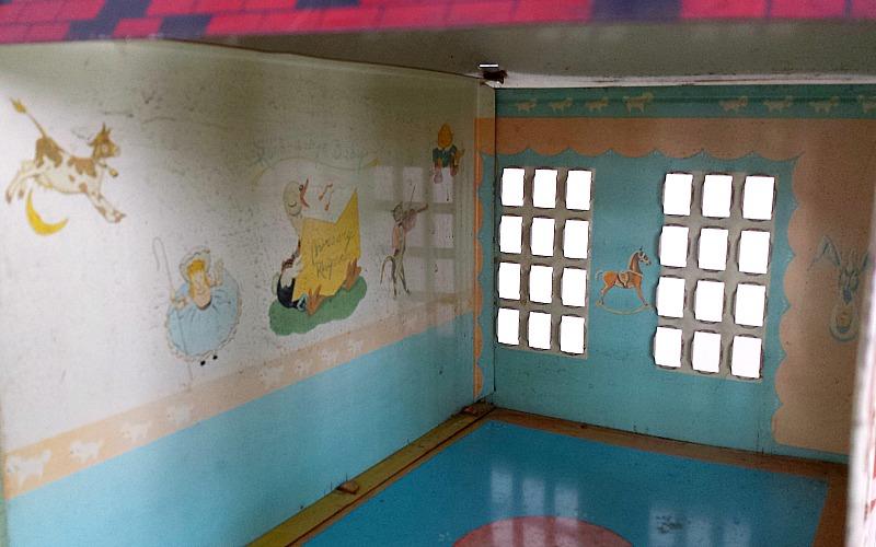 dollhouse nursery wall mural and border