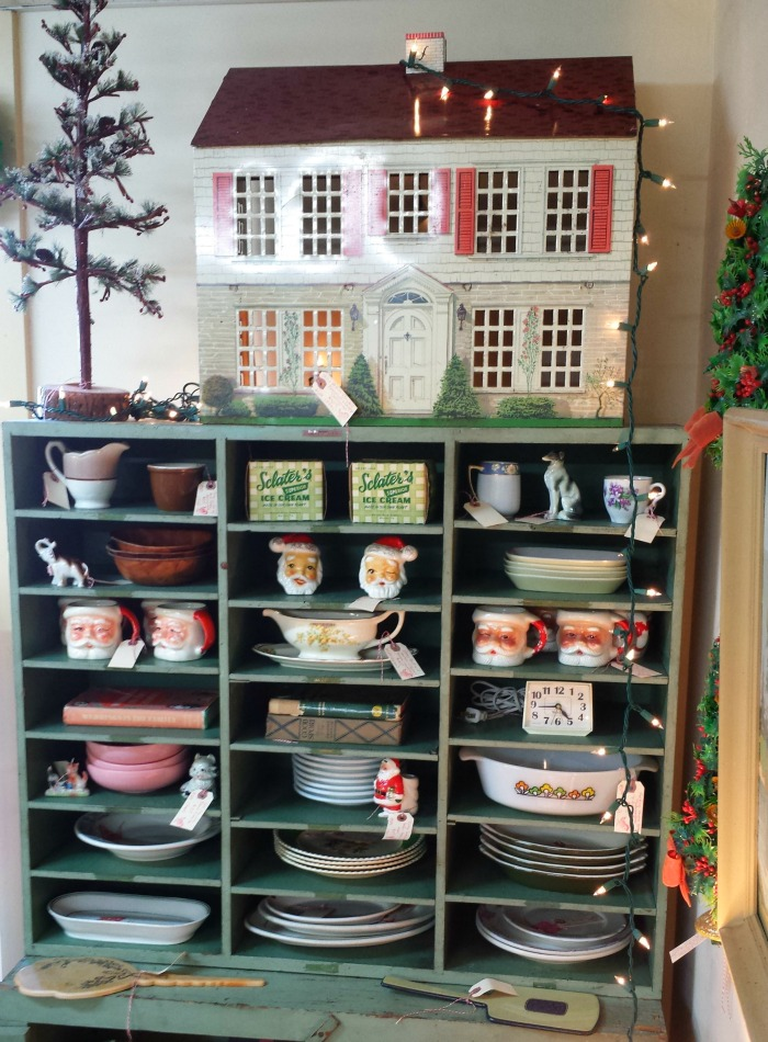 my vintage dollhouse spotted at the antique store