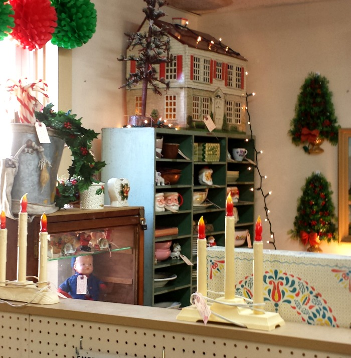 my vintage dollhouse spotted at the antique store - Dollhouse Christmas Decorations