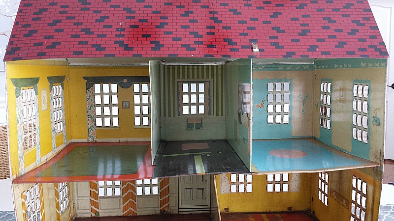 playsteel dollhouse 1948 looking into the rooms