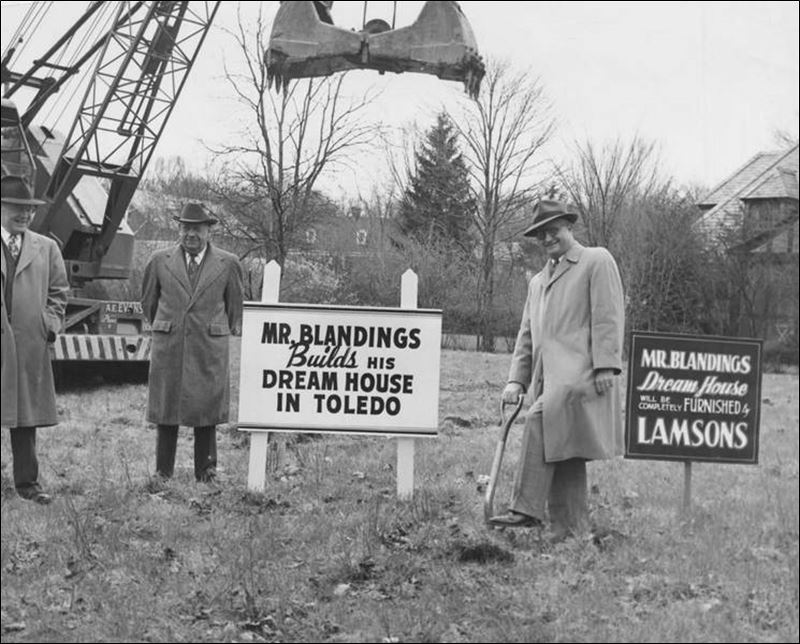 A-home-made-famous-in-the-1948-mega-hit-Mr-Blandings-Builds-His-Dream-House-is-in-Ottawa-Hills