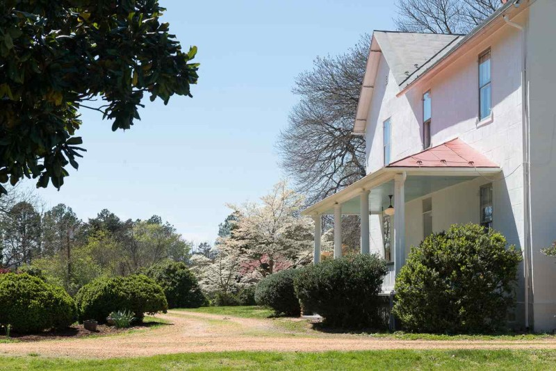 Exterior view of My Old Country House blogger\'s Farmhouse in Virginia