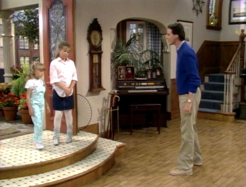 Full House living room entry doors in pilot episode