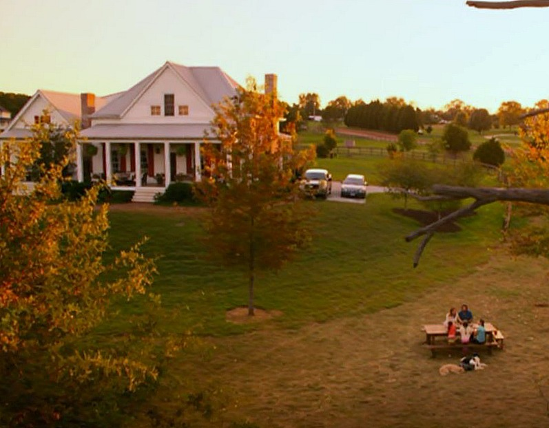 """Aerial view of the Farmhouse in \""""Miracles from Heaven\"""" Movie"""