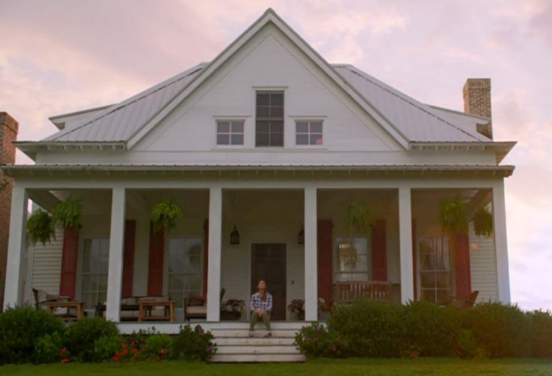 "The Farmhouse in ""Miracles from Heaven\"" Movie"