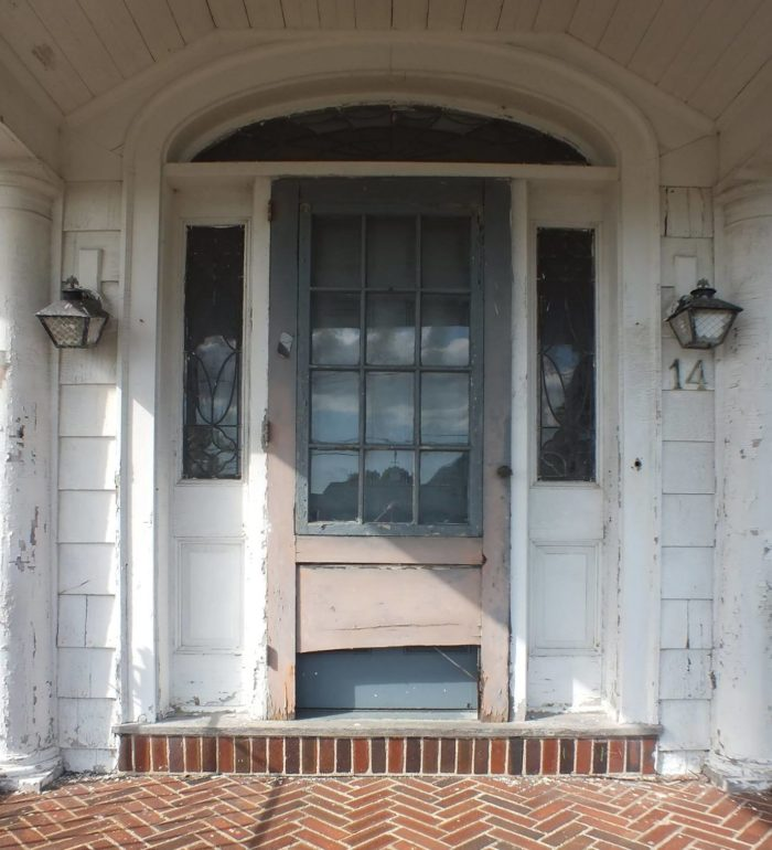 Closeup of front door before remodel