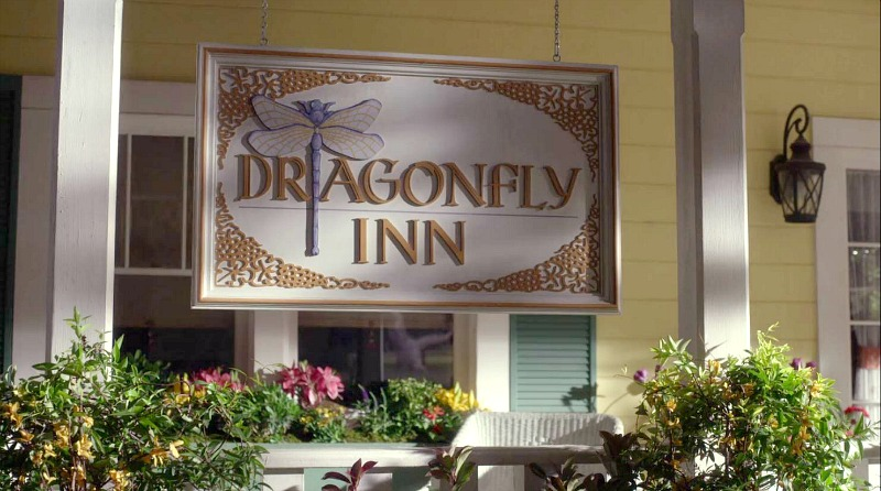 Dragonfly Inn sign on front porch