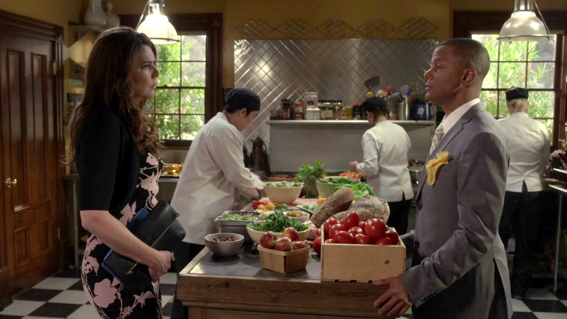 Lorelai in the kitchen of the Dragonfly Inn