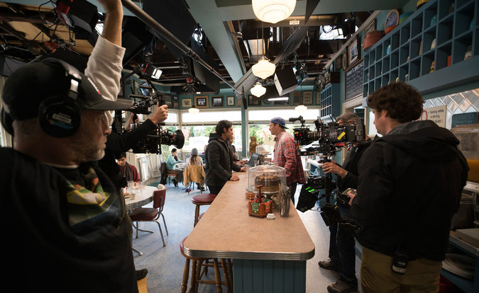 filming-in-lukes-diner-gilmore-girls-year-in-the-life-netflix