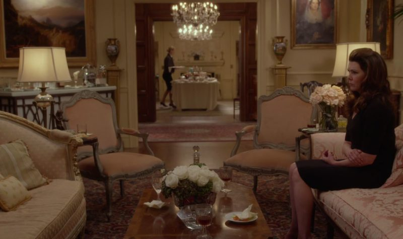 gilmore-mansion-winter-gilmore-girls-year-in-the-life