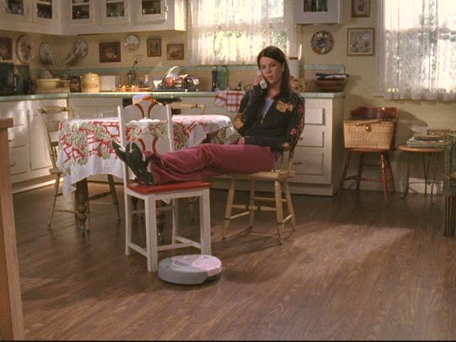 lorelais-house-kitchen hardwood floor during original series