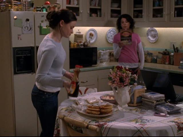Rory and Lorelai in the kitchen