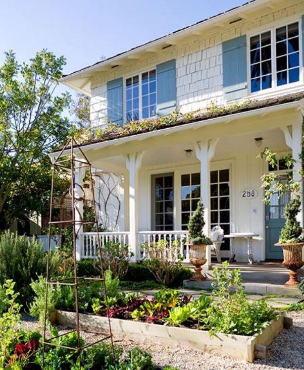 Steve and Brooke Giannetti's house in Santa Monica front garden