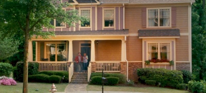 Gaffney House exterior Keeping Up Joneses movie still