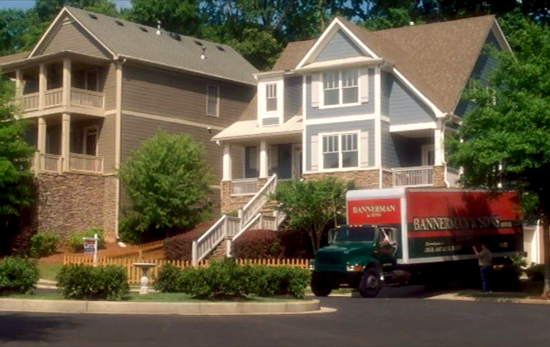 Keeping-Up-With-the-Joneses-filming-location moving truck