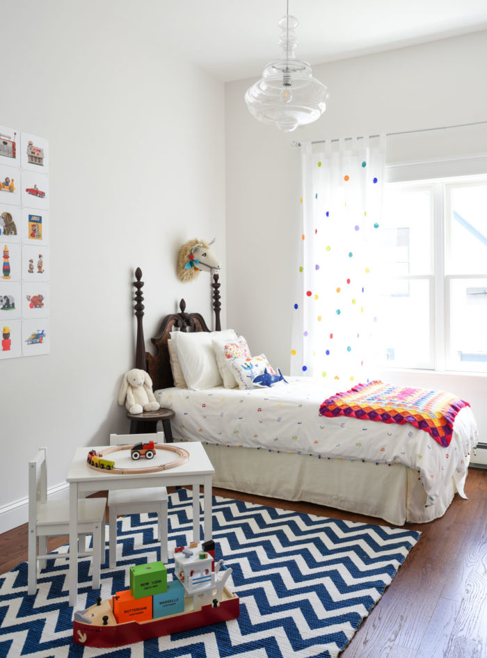 Child\'s bedroom with twin bed