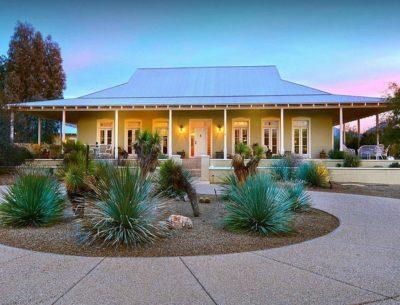 A Colorful Australian-Style Farmhouse For Sale in Arizona