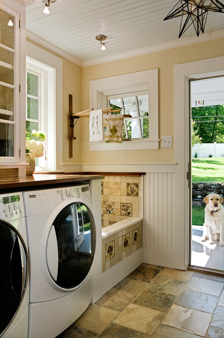 country house mudroom