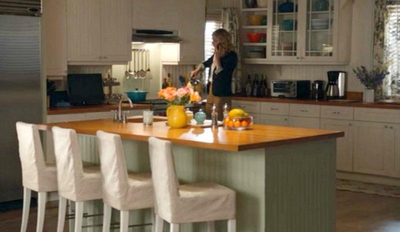 Emily Thorne\'s Beach House kitchen on Revenge