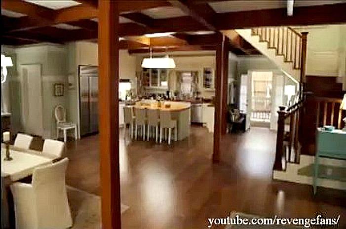 Revenge sets-Emily's beach house