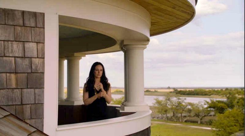 Victoria Grayson in her turret Revenge