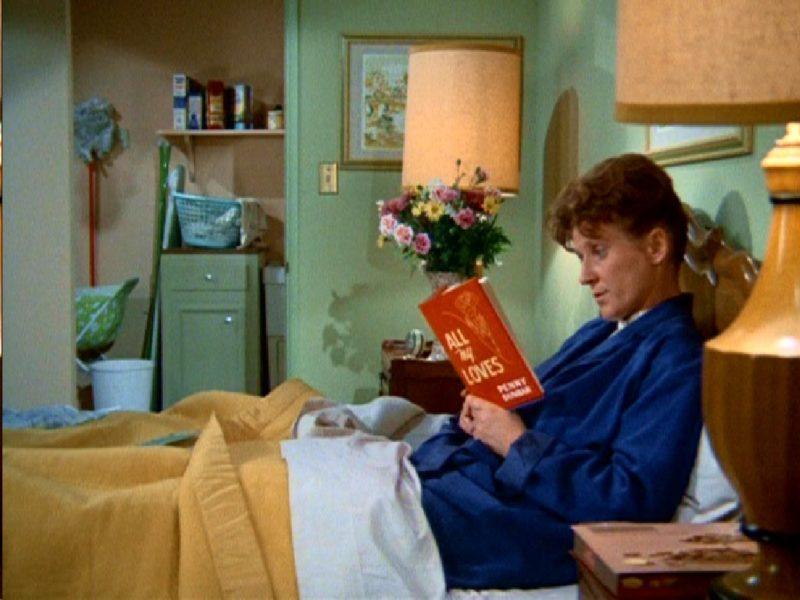 Brady Bunch Alice's bedroom