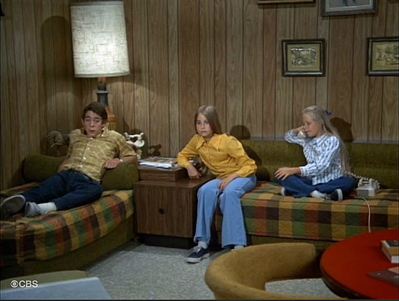 Brady Bunch Family Room Greg Marcia Jan SSN2