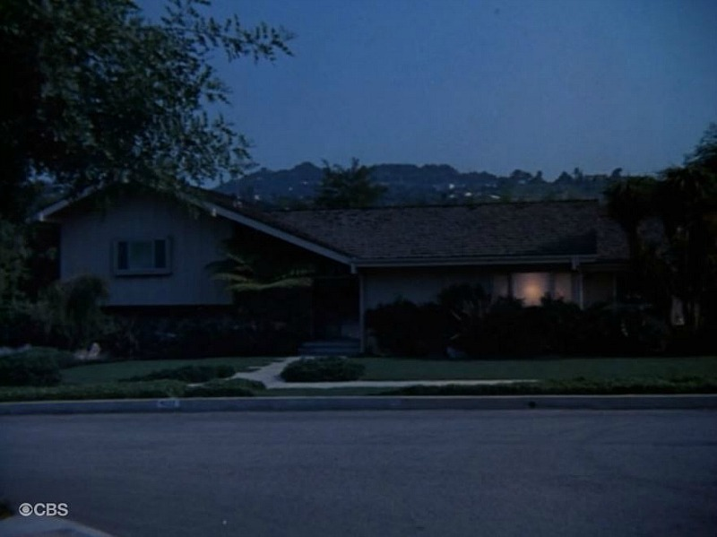Brady Bunch House first time exterior shown SSN1