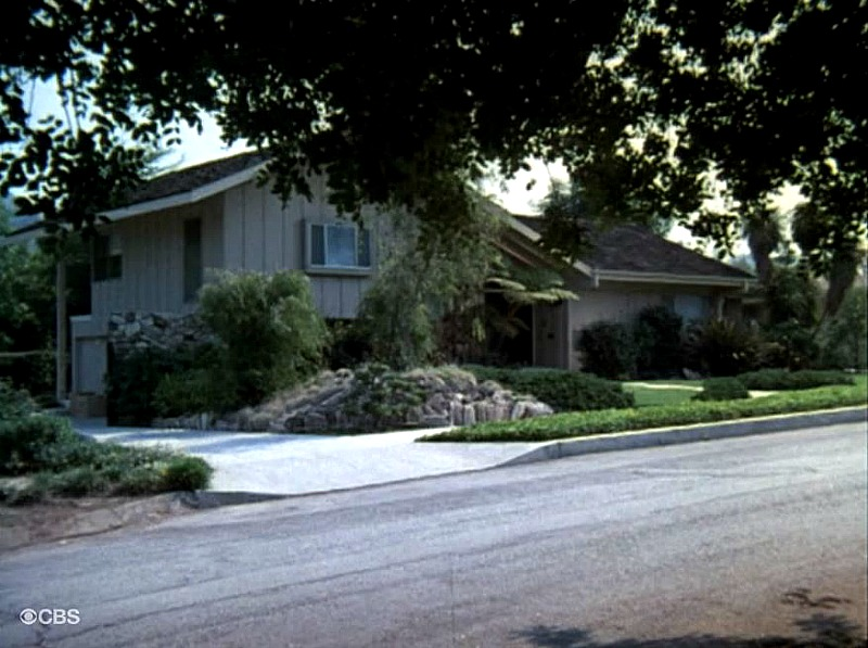 Brady Bunch exterior shot SSN2