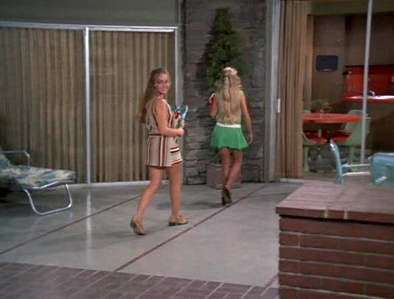Brady Bunch house no-glass doors