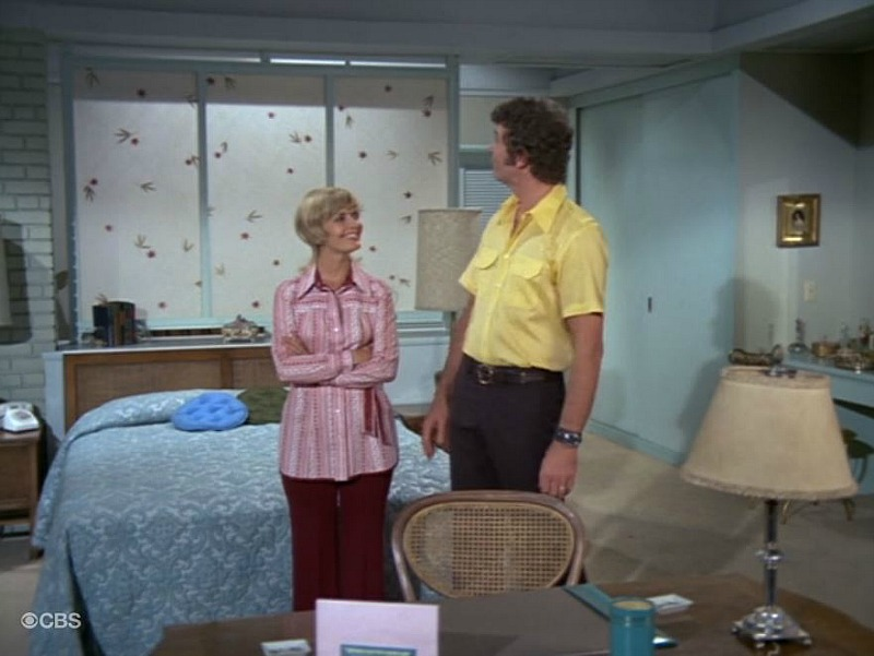 Mike and Carol Brady's Bedroom SSN4 The Brady Bunch