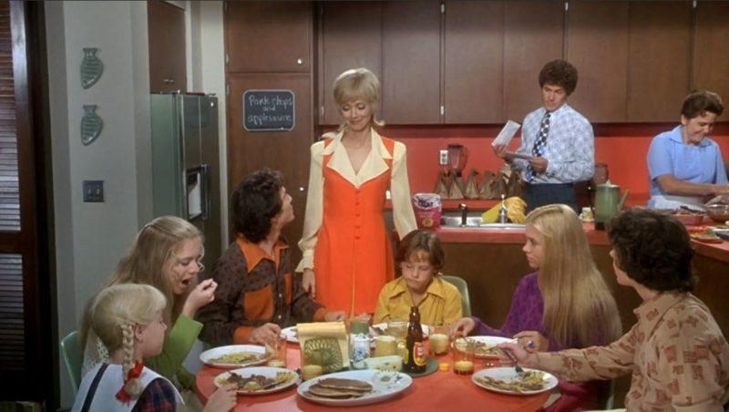 The Brady Bunch Movie kitchen set