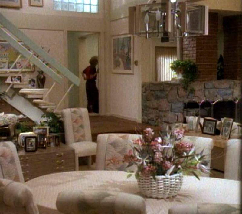 Brady Bunch house 1980s makeover