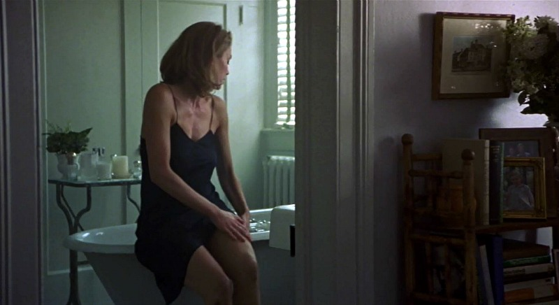 Diane Lane bathtub Unfaithful movie